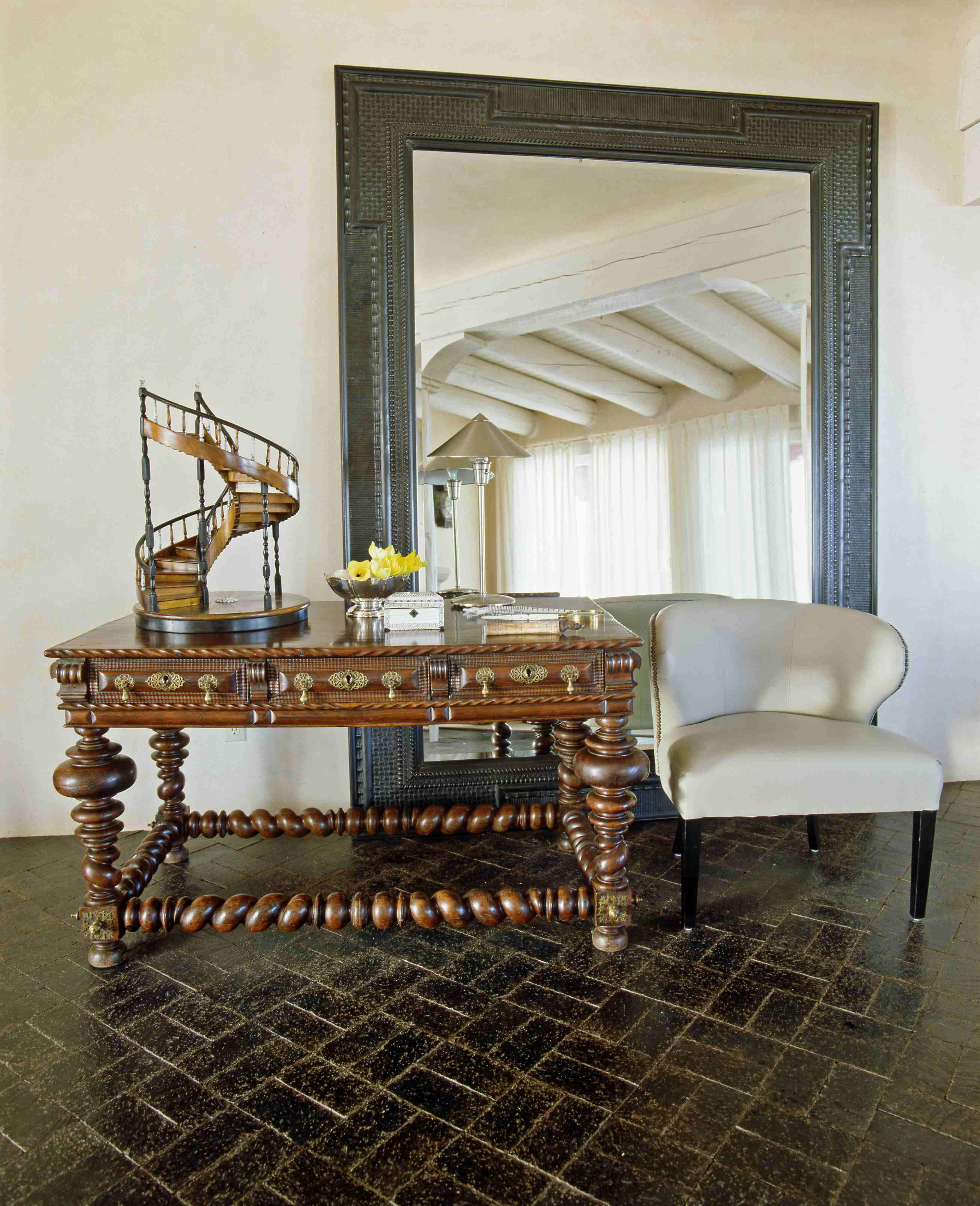 Entry Table With Mirror And Thom Chair